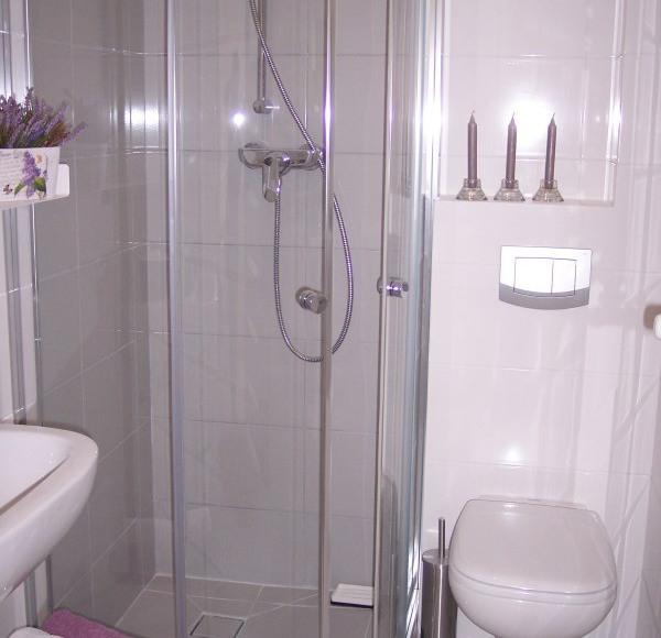 Łazienka pokoju lawendowego