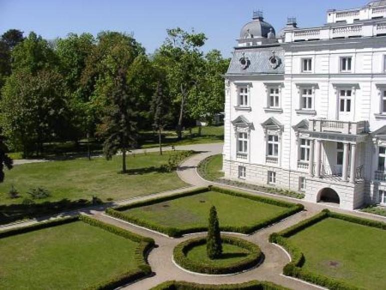 Ośrodek Szkoleniowo-Rehabilitacyjny KRUS-Pałac