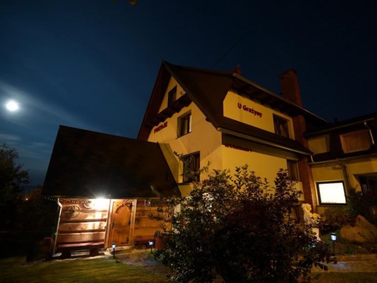 Dom wieczorem,strona północna