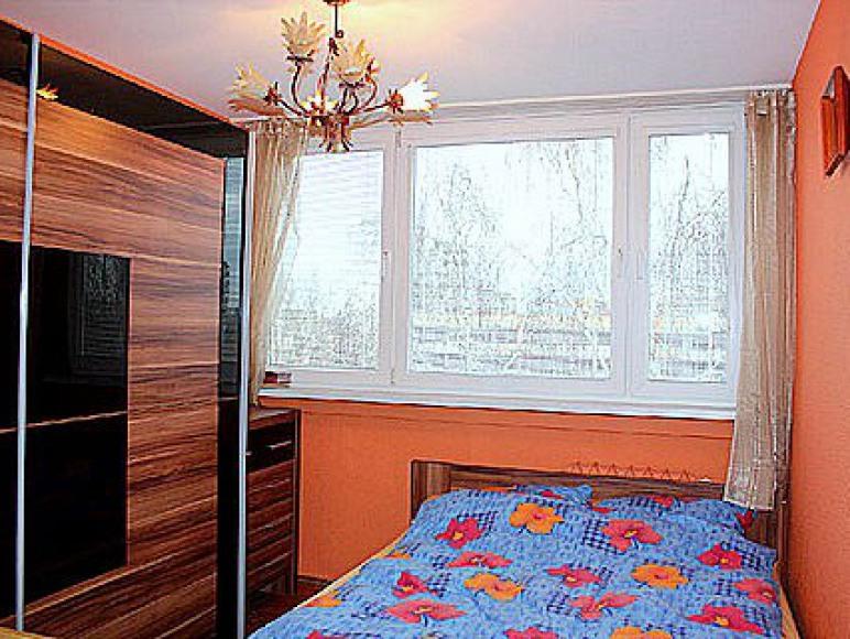 pokój pomarańczowy 2 osobowy- 1 duże łózko