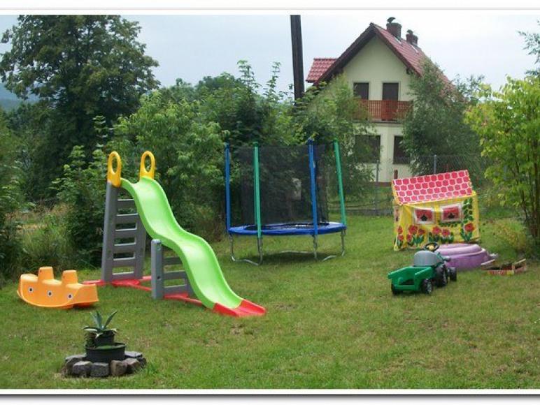 nasz plac zabaw dla dzieci