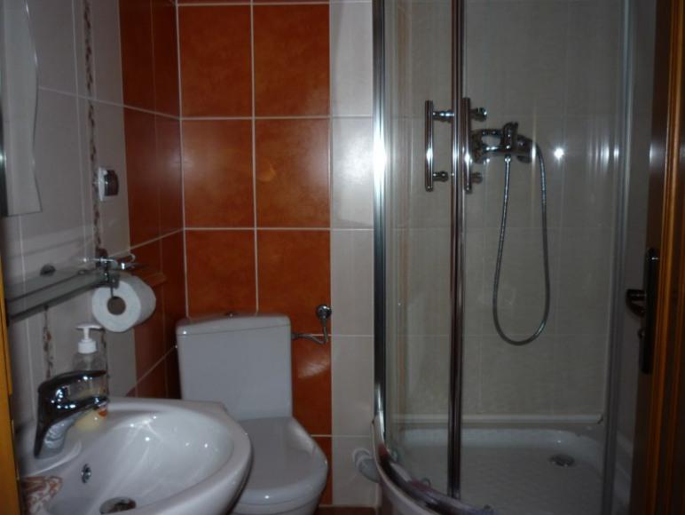 łazienka pomarańczowa