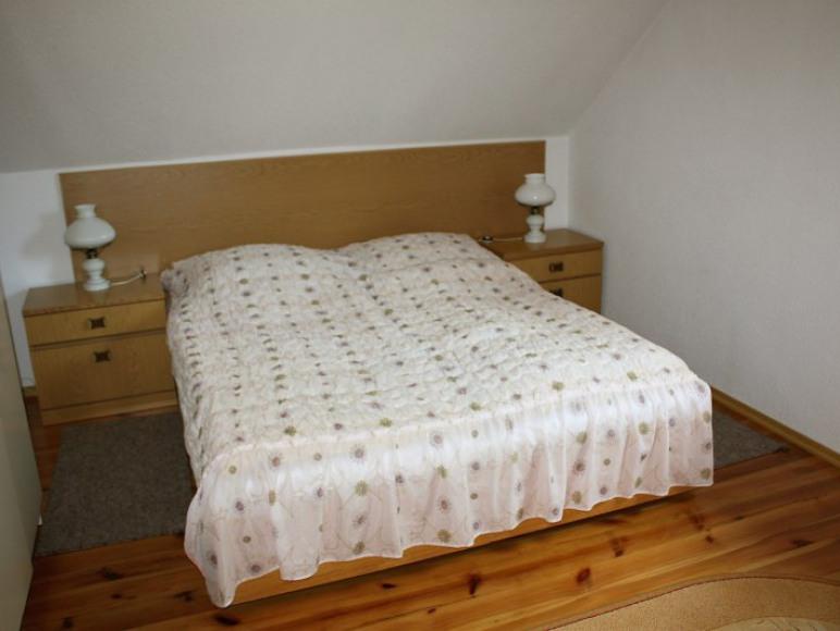 pokój- sypialnia w apartamencie