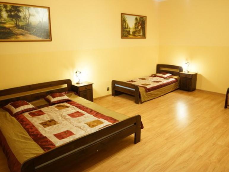 Druga sypialnia w apartamencie