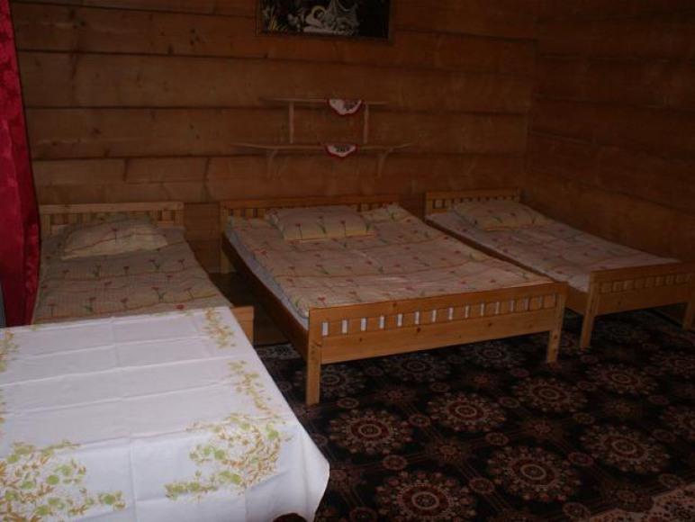 Pokój 4os z łazienką widok na Kotelnicę