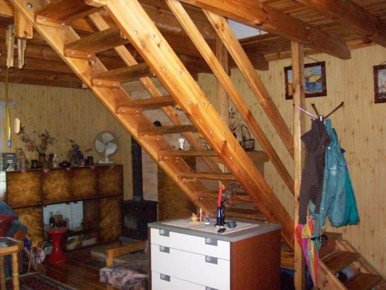 schody do 2 sypialni