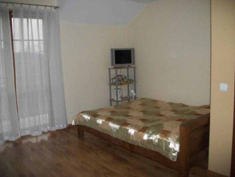 pokój z łazienką z łóżkiem małżeńskim +kanapa rozkładana