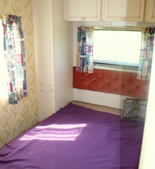 druga sypialnia w domku holend.
