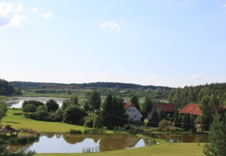 panorama terenu Warmińskiej Winnicy