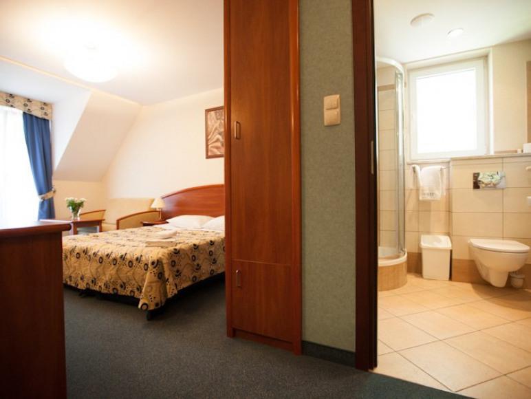 Pokój 3-osobowy z łazienką.