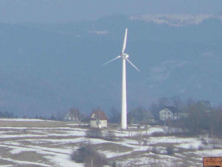 elektrownia wiatrowa widok z okna