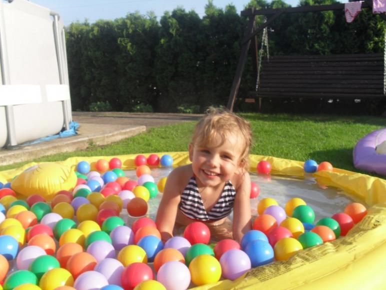 basen z kulkami dla dzieci