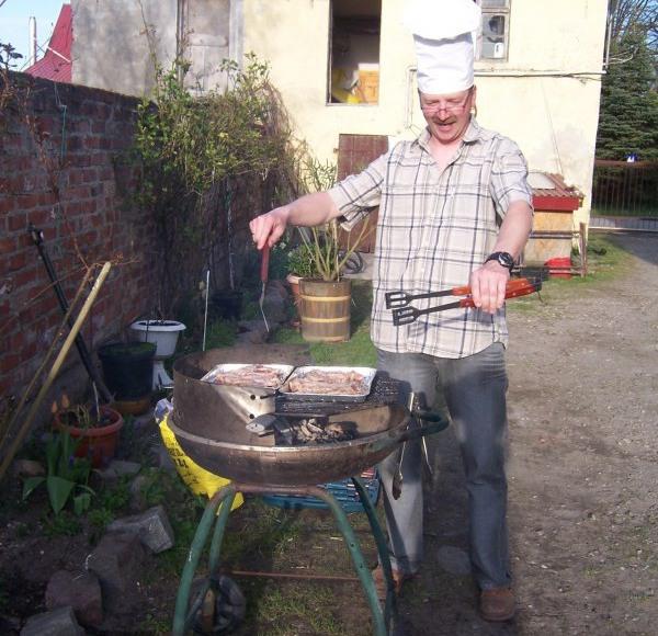 szef grilluje