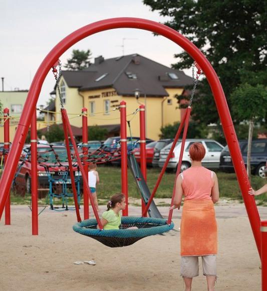 plac zabaw dla dzieci 70m od pensjonatu