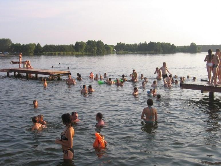 ciepła woda w jeziorze 100m