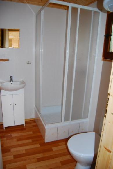 lazienka w domku 3-pokojowym