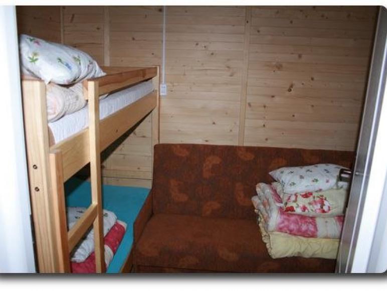 sypialnia w domku 2-pokojowym