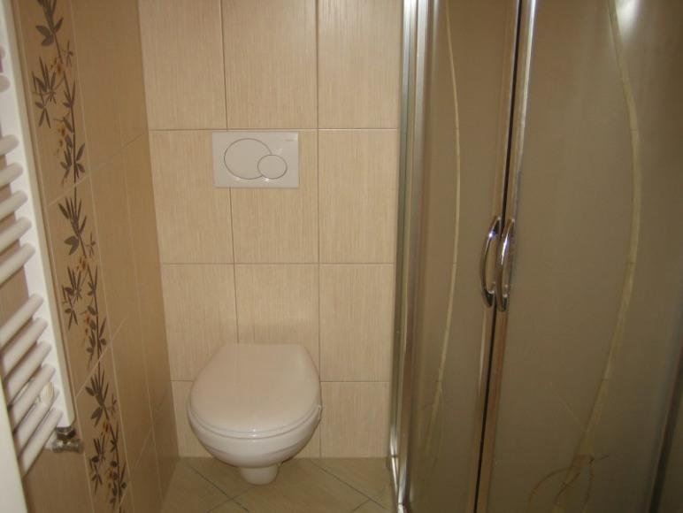 łazienka w pokoju 2 os.
