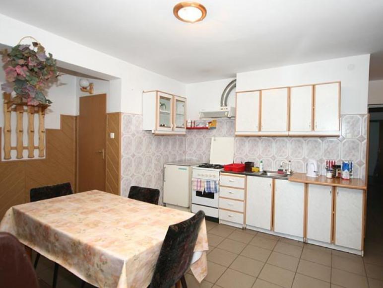 kuchnia ogólno dostępna - dolny parter