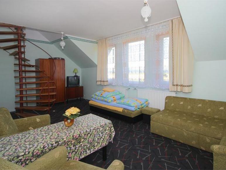 """pokój nr 8 - """"studio"""""""