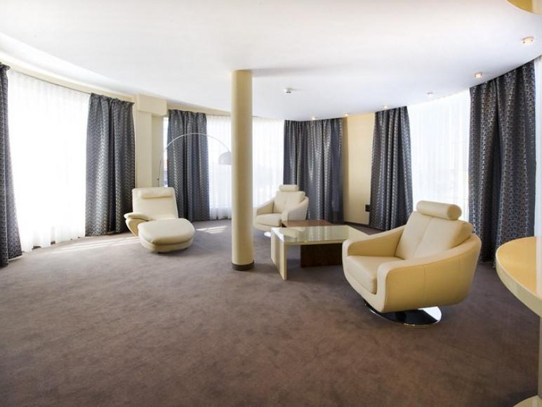 HOTEL SYMFONIA***