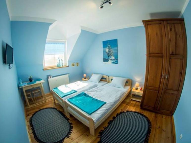 Pokój niebieski. Okna zachodnie. Tv oraz Wi-fi. Okna zachodnie