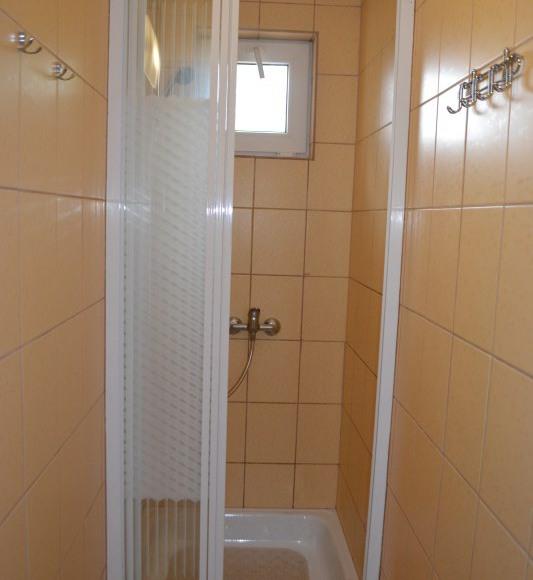prysznic do pokoi nr.3,4,5