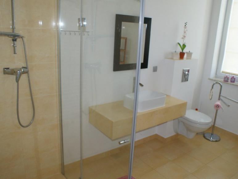 Łazienka w apart. 6 osobowym