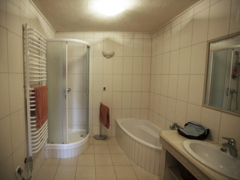 Łazienka apartamentu4- 5-os