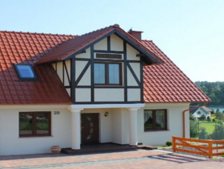 """Dom """"Krasny Łęg"""""""