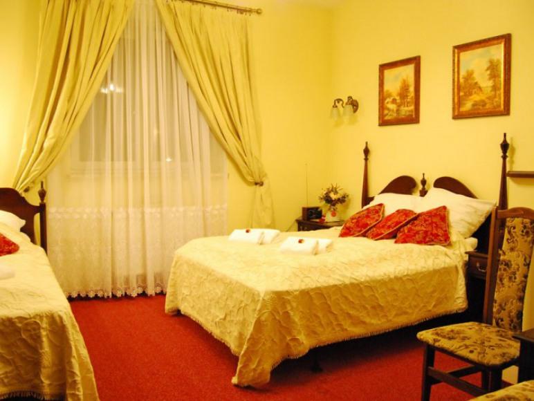 HOTEL TRYLOGIA***