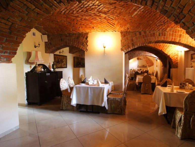 Restauracja Dwór Stary Chotów
