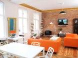 Blooms Boutique Hostel, Inn & Apartments