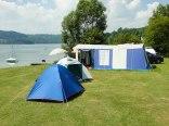 Pole namiotowe i plaża w Bartkowej