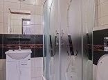 zd.5 - OW - Szarotka wystrój przykładowej łazienki w pokoju na parterze