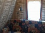 Mała sypialnia na piętrze