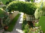 Ogród wraz z altaną