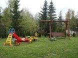 plac zabaw dla dzieci trampolina,zjeżdzalnia,huśtawka,piaskownica wraz z za