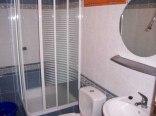 Domek wolnostojący -2-pokojowy - łazienka.