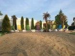 mini plaża przy basenie:)