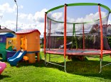 Plac zabaw, trampolina,DW BUrsztynek