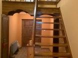korytarz i schody na piętro