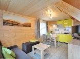 Domek pięcioosobowy -salon z kuchnią