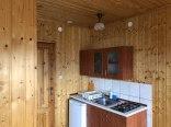 Aneks kuchenny w domu drewnianym