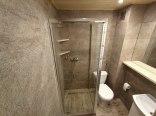Domek jednopokojowy łazienka