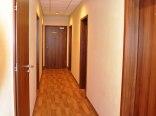 Piętro Ekonomiczne z łazienkami na korytarzu