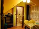 pokój 4-osobowy typu studio z łazienką