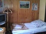 Piękny 3 os. pokoj na parterze z widokiem na ogród.