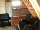 salon domek drewniany