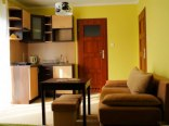 pokoj 3/4 osobowy z balkonem i aneksem kuchennym